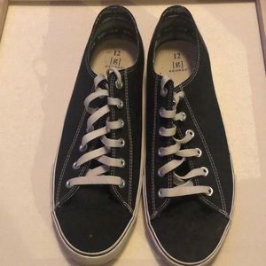 Converse style shoes